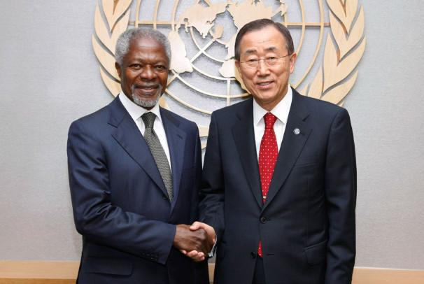 Prejšnji in zdajšnji generalni sekretar OZN, Kofi Annan in Ban Ki-mun (Vir: UN Photo/Paulo Filgueiras)